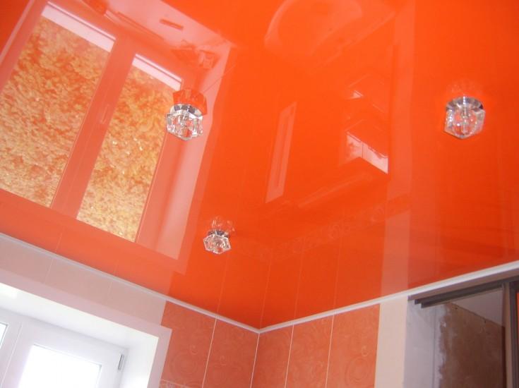 Глянцевые натяжные потолки (лаковые)